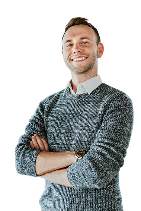 A portrait photo of Etienne the affiliate manager for InstaCaptain